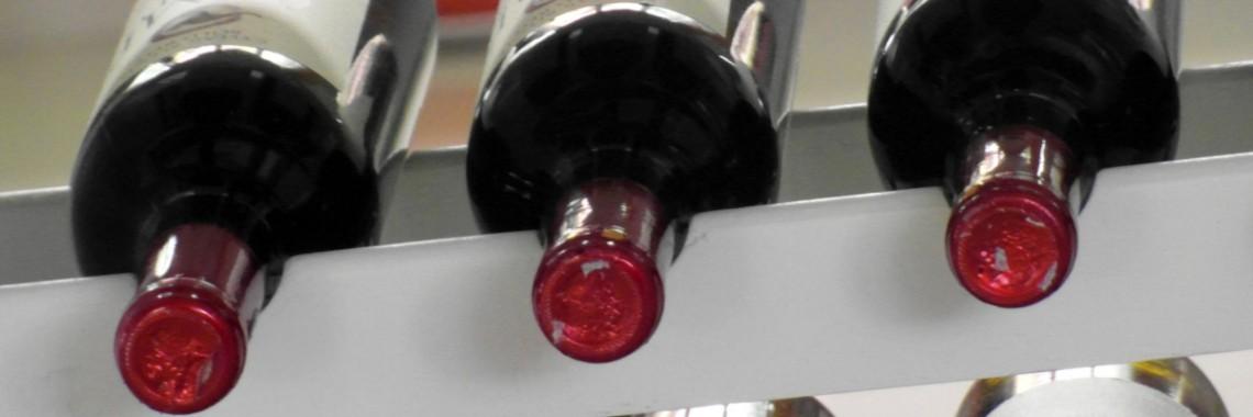 Láhve červené